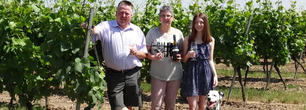 Familie Lang - die Winzefamilie im Weinberg